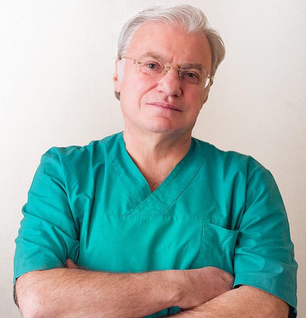 Prof. Piero Rosati - Chirurgo estetico specializzato nel trapianto di capelli